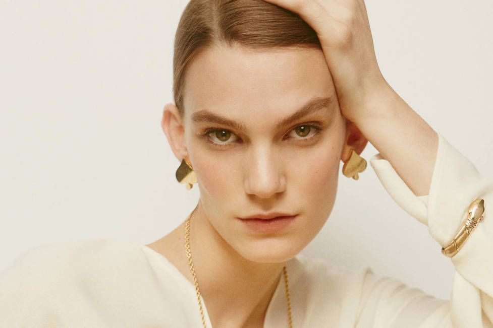 - All That Glitters: Strikingly Sculpted Jewelry in High-Shine Gold